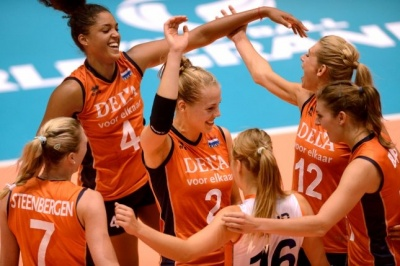 114_damesnlvolleybal_400